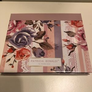 "Mary Kay ""into the garden"" color compact NEW"